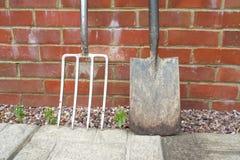 Spade en het tuinieren vork Stock Foto
