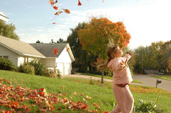 spadek dancingowa dziewczyna opuszczać trochę Zdjęcie Royalty Free