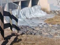spadek marznąca woda zdjęcie stock
