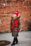 Spadek moda Dzieciak dziewczyny odzieży żakiet dla sezonu jesiennego Dziewczyny twarzy przyglądającej ślicznej fryzury spadku mod obrazy stock