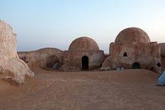 Spadek od halnej pobliskiej film scenerii dla gwiazd filmowa wojn planeta Tatooine w saharze Obrazy Stock