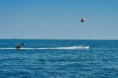 Spadochron na wysokich morzach Zdjęcie Royalty Free