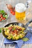 Spaetzle用德国泡菜 库存图片