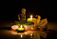 Spafortfarande-livstid med stearinljus Arkivfoton