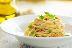 Spageti橄榄油和peperoncino 库存图片