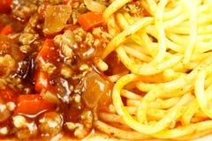 Spagetti con la salsa de tomate Fotos de archivo libres de regalías
