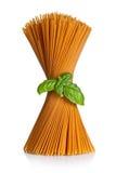 Spagetti med basilika royaltyfri foto