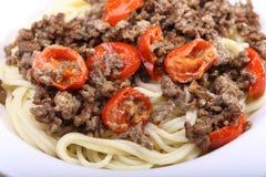 Spagetti med huggit av kött Arkivbild