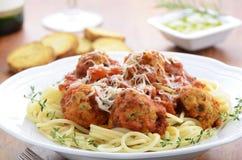 Spagetti med kalkonköttbullar Royaltyfri Bild