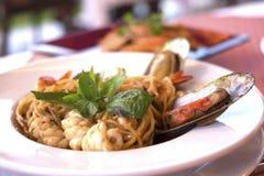Spagetti med kryddig skaldjur Royaltyfri Foto