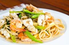 Spagetti med kryddig skaldjur Royaltyfri Fotografi