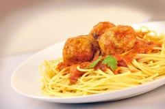 Spagetti med meatballs Royaltyfri Foto