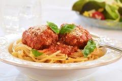 Spagetti med meatballs Fotografering för Bildbyråer
