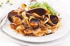 Spagetti med musslor Fotografering för Bildbyråer