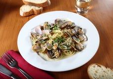 Spagetti med musslor Arkivbild