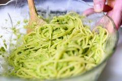 Spagetti med Pesto sås Royaltyfria Foton