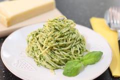 Spagetti med Pesto sås Royaltyfri Fotografi