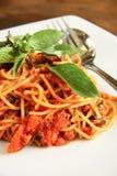 Spagetti med thailändskt utformar sås royaltyfri fotografi