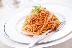 Spagetti med tomatsås Royaltyfri Bild
