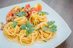 Spagetti med tomatsås Royaltyfri Foto