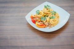 Spagetti med tomatsås Arkivfoton