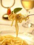 Spagetti på en dela sig royaltyfri bild