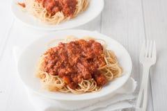 Spagetti pasta med kötttomatsås Royaltyfri Bild