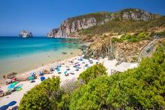 Spaggia di Masua海滩和Pan di Zucchero,肋前缘Verde,撒丁岛,意大利 免版税图库摄影