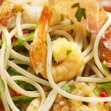 Spagheti med räkabacon Arkivbild