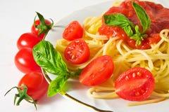 Spaghett en Tomatensaus Stock Afbeelding