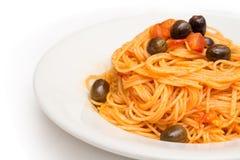 Spaghetti avec de la sauce à agropiccante Image libre de droits