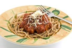 Spaghetti avec des boulettes de viande images libres de droits