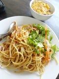 Spaghetti avec des cornflakes photos libres de droits