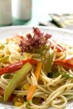 Spaghetti avec des légumes Photos libres de droits