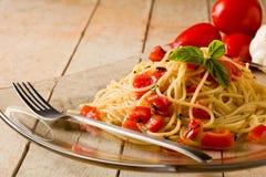 Spaghetti avec l'ail et le pétrole Images stock