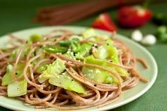 Spaghetti avec la courgette photo libre de droits