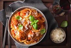Spaghetti avec la sauce de boulette de viande et tomate, pâtes italiennes Images stock