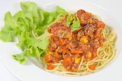 Spaghetti avec la sauce tomate Photographie stock