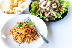 Spaghetti avec la sauce tomate Image stock