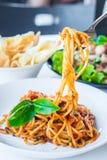 Spaghetti avec la sauce tomate Image libre de droits