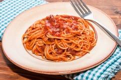 Spaghetti avec la tomate Photographie stock libre de droits