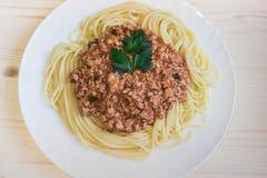 Spaghetti avec la vue de sauce à viande d'en haut Photos libres de droits