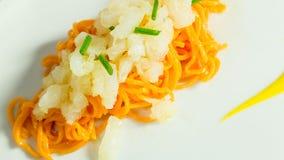 Spaghetti avec les poivrons et la morue salée sèche photos libres de droits
