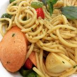 Spaghetti avec les saucisses italiennes Photo libre de droits