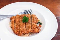Spaghetti basilu kumberland z smażącą wieprzowiną Obraz Stock