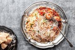 Spaghetti bolognese con le polpette in salsa al pomodoro Fotografie Stock Libere da Diritti