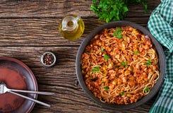 Spaghetti bolognese deegwaren met tomatensaus, groenten en gehakt royalty-vrije stock foto