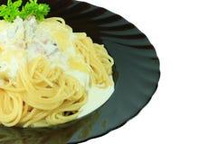 Spaghetti Carbonara con bacon e formaggio Immagini Stock