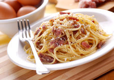 Spaghetti carbonara in a white dish Royalty Free Stock Photo