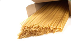 Spaghetti in casella fotografia stock libera da diritti